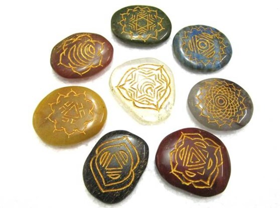 Picture of Ananta 8 chakra Stone Set
