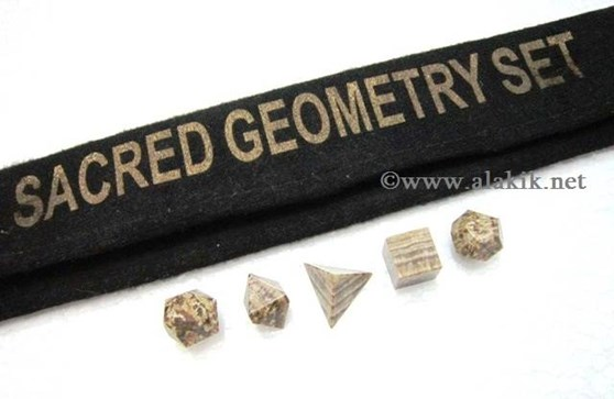 Picture of Aragonite 5pcs Geometry set with Velvet purse