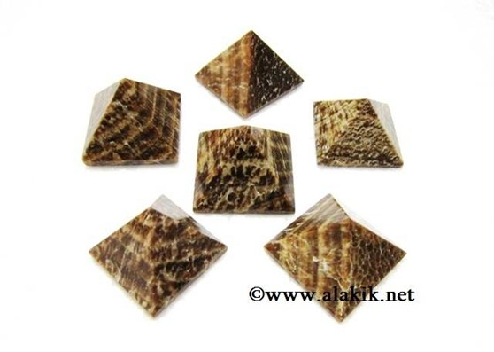 Picture of Aragonite Pyramids 22-28mm